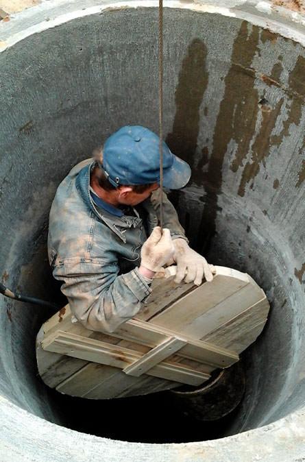 Как мы выполняем чистку колодца в Осташево